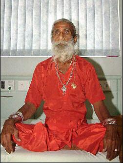 Un indien reste 70 années sans manger?