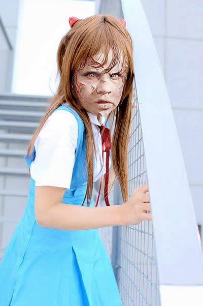 Menina do Exorcista de colegial