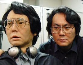 professor Hiroshi Ishiguro com seu robô clone