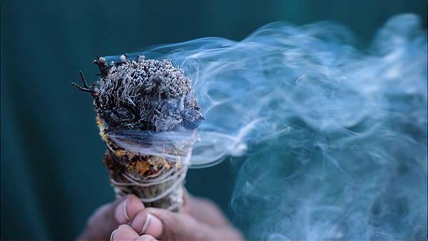 O USO DO FUMO NOS TERREIROS DE UMBANDA
